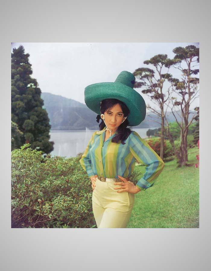 A mexican hat in Japanese Landscape - Mala Sinha in Spy thriller Ankhen